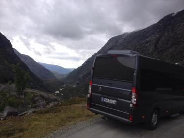 Buss ved utsikt ND